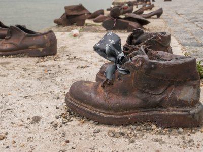 Schuha am Donauufer Budapest